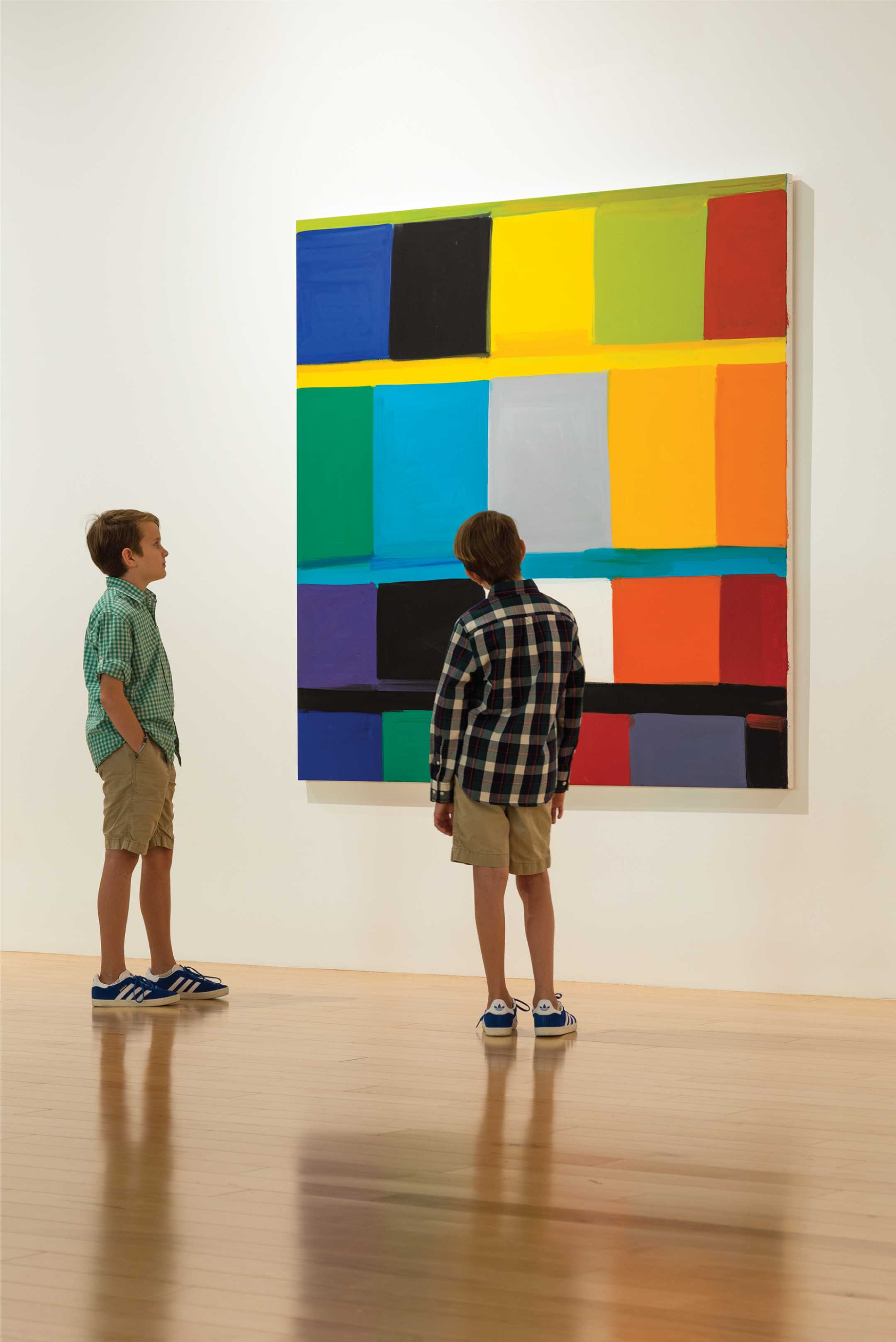 kids watching art at PS Art Museum